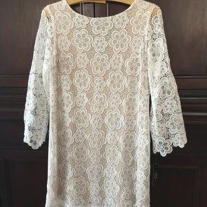 TAHARI. AUTHUR & LEVINE WHITE LACE DRESS